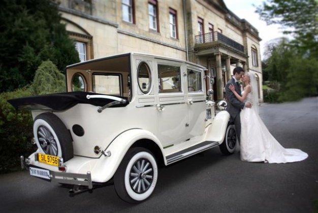 37e4369f11 Imperial Landaulette Seven Seater in Cream